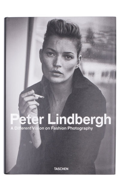 Peter Lindbergh. A Different Vision on Fashion Photography book